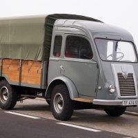 Старенький грузовичек Рено :: Bogdan Snegureac