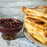 Дома кормят вкуснее всего :: Evgenija Enot