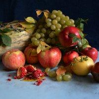 Натюрморт с фруктами. :: Anna Gornostayeva