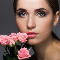 Девушка с розами :: Женя Кадочников