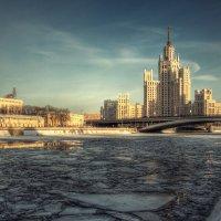 Дом на Котельнической набережной :: Александр Поляков