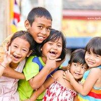 тайские детки на Пхукете :: Святослав Липинский