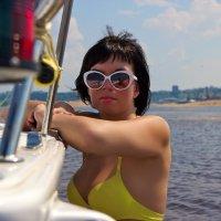 Прогулка на яхте :: Наталья Большевская