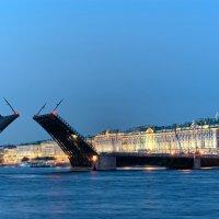 Белые ночи. Дворцовый мост :: Алексей Кудрявцев