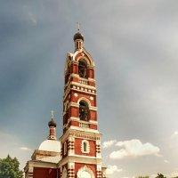 Церковь Успения Пресвятой Богородицы в Бронницах :: Евгений Жиляев