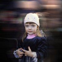 Пытливый взгляд еще ребенка... :: Юрий Морозов