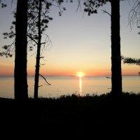 вечер на Онежском озере :: Дмитрий Приказчиков