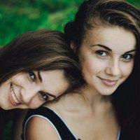 Sisters :: Юля Депеш