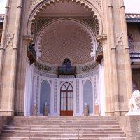 Воронцовский дворец в Алупке :: Татьяна Ломтева