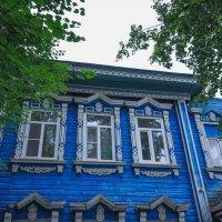 Дом с резными узорами на окнах. Елабуга. :: Сергей Тагиров