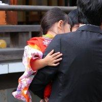 малышка на руках папы :: Ilona An