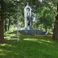 Памятник   Иисусу   Христу   в   Ивано - Франковске :: Андрей  Васильевич Коляскин