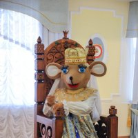 Город Мышкин. Музей мыши. Мышиная королева. :: Сергей Тагиров