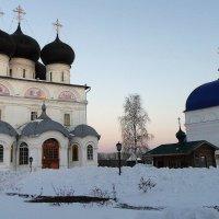 Вятский УспенскийТрифонов монастырь :: Елена Павлова (Смолова)