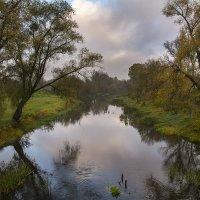 Осенняя река :: Валерий Чернов
