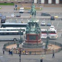 Памятник Николаю I на Исаакиевской площади с высоты  птичьего полёта :: Galina Leskova