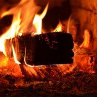 Топится печка :: Татьяна Соловьева