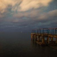 Летят ночные облака :: Александр Плеханов