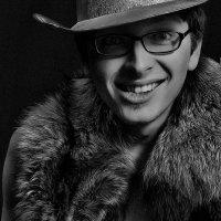 Композиция веселого портрета с мехом странного животного. Composition cheerful portrait with fur str :: krivitskiy Кривицкий