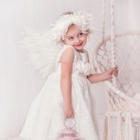 Стеснительный ангел!)) :: Ольга Егорова