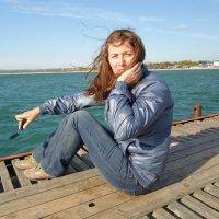 Девушка на пирсе. :: Игорь Карпенко