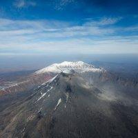 Карымский вулкан, высота 1536 м. :: Евгений Путинцев