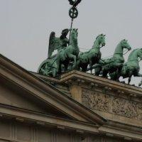 Бранденбургские ворота :: kuta75 оля оля