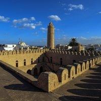 Крепость-монастырь Рибат в Суссе :: Александр Бойко