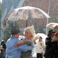 Танец под дождем :: Лариса Сливина