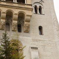 Весёлый балкон с рожицами замка Нойшванштайна. Баварские Альпы :: Bogdan Snegureac