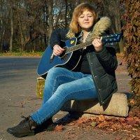 Гитара — как человеческая душа, передающая послание миру всего через шесть струн. :: Svetlana Stepanova