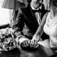 Свадебная фотосессия в кафе :: Александр Кравченко