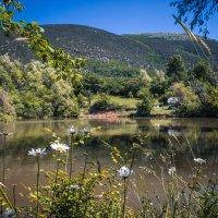 озеро в горах :: Sergey Bagach