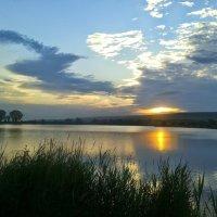 Закат на озере. :: Игорь Карпенко