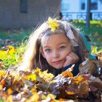 девочка-осень :: Oksana Verkhoglyad