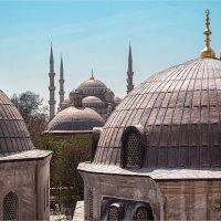 Вид из окна Айи Софии на Голубую мечеть в Стамбуле :: Ирина Лепнёва