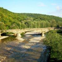 Адыгея. Старинный каменный мост. :: Надежда