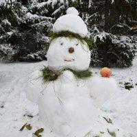 Снежная баба в осеннем прикиде :: Татьяна Помогалова