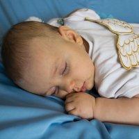 ангелы тоже спят :: Елена Шмойлова