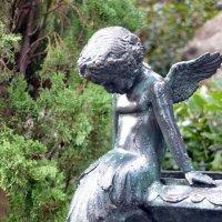 Грустный ангел :: Ольга Голубева