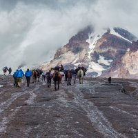 По леднику Гергети к альп лагерю Метео :: Вячеслав Шувалов