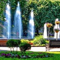 Городские фонтаны. :: Vladimir Lisunov