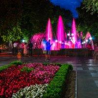 Городской фонтан :: Владимир Кравченко