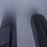 Небоскрёбы в облаках 1 :: Сергей Козырев