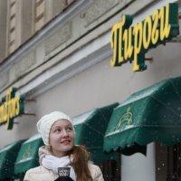Зимний портрет со стаканчиком кофе :: Сергей Ефименко