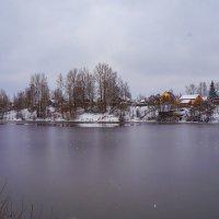 Озеро замерзает :: Анатолий