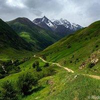 Долгая дорога на Безенги :: Сергей