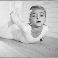 Юная гимнастка :: Михаил Онипенко
