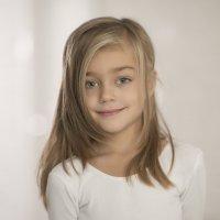 Детский портрет :: Михаил Онипенко