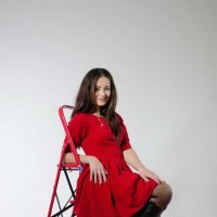 Девушка в красном. :: Елена Данько